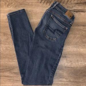 Ladies American Eagle Skinny Jeans